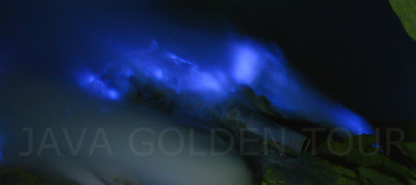 image-photo-ijen-blue-fire-1-java-golden-tour