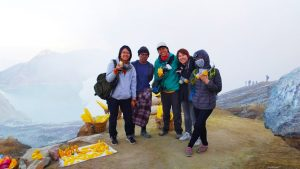 picture ijen crater Indonesia