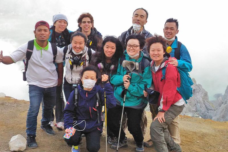 image-ijen-adventure-ijen-crater2-java-golden-tour.