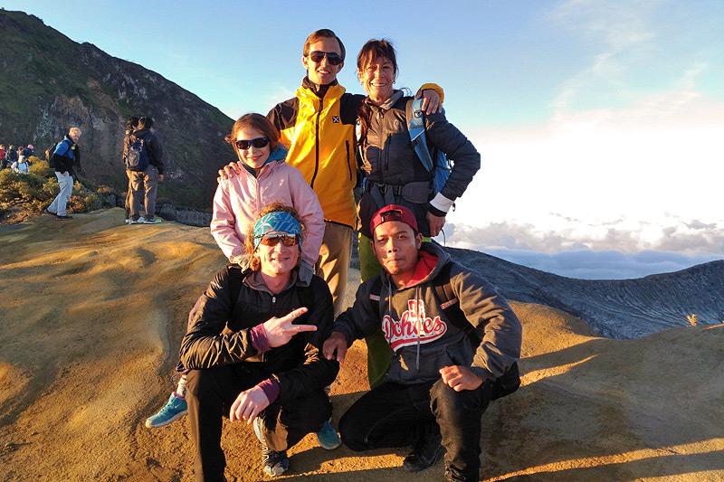 image-ijen-adventure-ijen-crater5-java-golden-tour